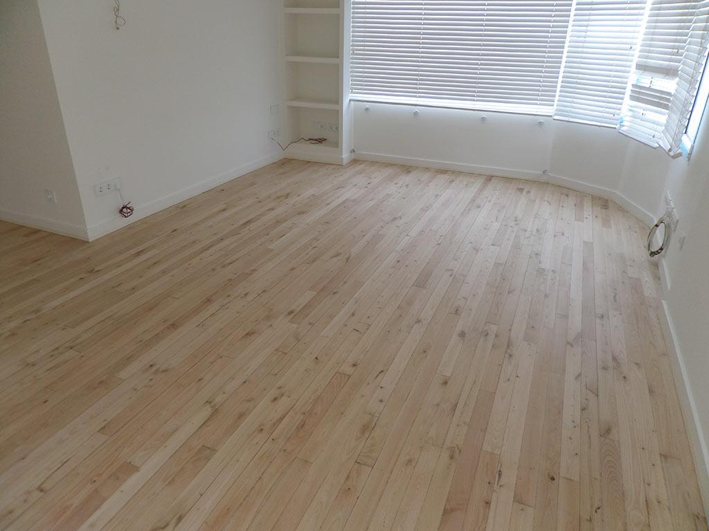 Restauraci n suelos de madera maciza recupera tu suelo for Suelos de madera maciza