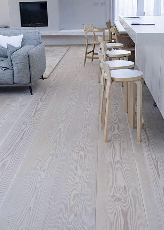 Tratamientos de suelos de madera con lejía y jabón