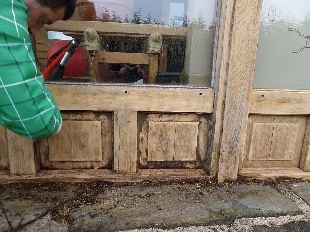 Decapado de muebles y carpintería exterior